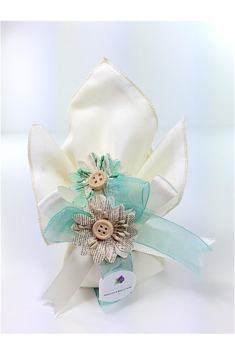 Fazzoletto portaconfetti in lino con fiori in tessuto for Fiori con la e