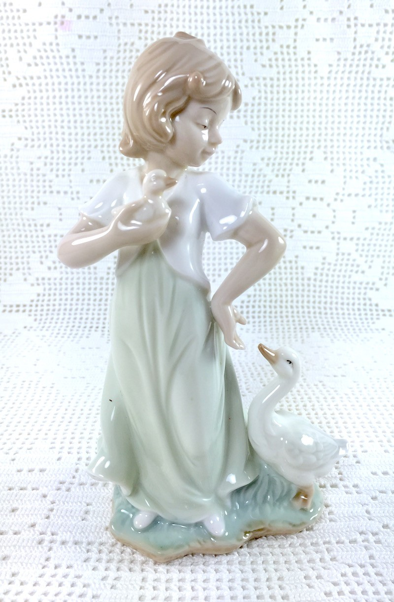 Damina Porcellana con Ochette - LE PORCELLANE