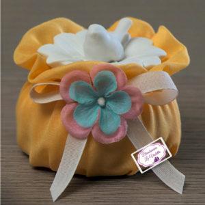 scatola-porcellana-fiore-uccellino-4-soggetti-assortiti-bomboniera-matrimonio-con-puff-con-scatola-linea-spring-ad-emozioni-bomboniere-la-violetta-copia