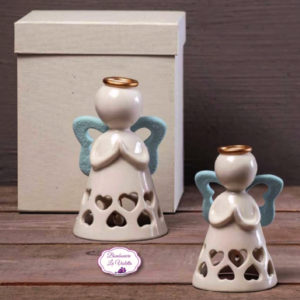 angelo-in-porcellana-con-ali-celeste-collezione-cuore-d-angelo-ad-emozioni-bombonierelavioletta.it