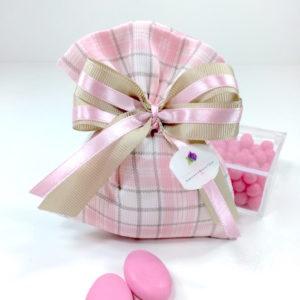 busta-dritta-portaconfetti-piquet-millerighe-rosa-scozzese-linea-fioccano-emozioni-esclusiva-bombonierelavioletta.it
