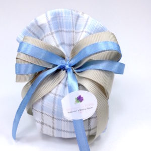 sacchetto-pon-pon-in-piquet-millerighe-azzuro-tortora-quadretti-collezione-fioccano-emozioni-bombonierelavioletta.it